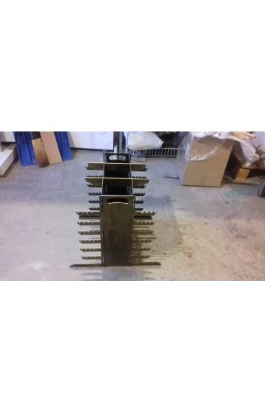 Вертикальный разборной мангал 3 мм сталь на 48 шампуров вес 14 кг.